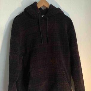 Varm och myzig hoodie från Levis i fleece-material