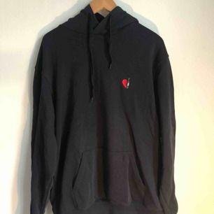 Snygg hoodie från Libertine libertine i stl 50, mörkblå nyans