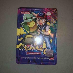 Äkta Pokémon kort och så klart är det 130 kort🥰