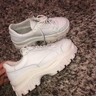 Skitsnygga chunky sneakers från Bronx modell jaxstar, använda ett par gånger! Köpta för 1350. Frakten kan delas på📦