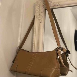 Fin väska. Köpt vintage! Frakt: 38kr