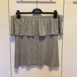 Offshoulder tröja från VILA. Frakt tillkommer på 36kr❣️