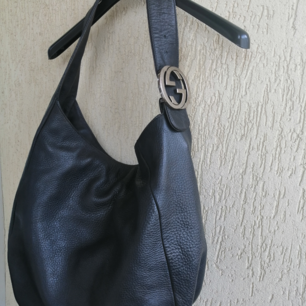 Gucci Large hobo bag :) excellent condition, dustbag. The bag is in excellent condition. There are several spots inside on the interior. 100%authentic size: width 45cm, height 35cm, depth 15cm, handle 21cm, color: dark gray, write me for more info :)