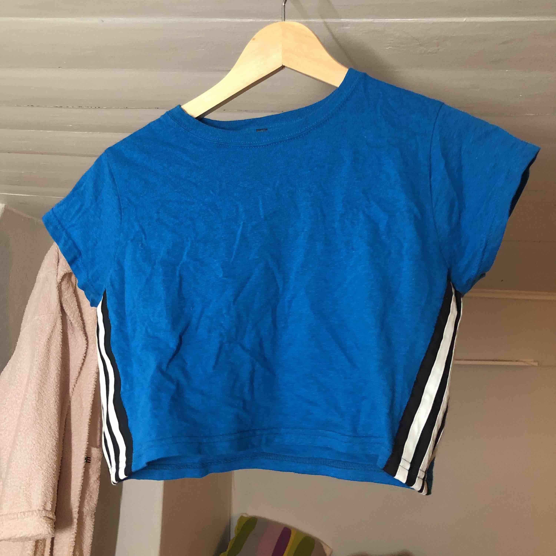 FET MAGTRÖJA från beyond retro (adidas)!!! . T-shirts.