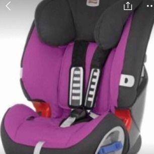 Britax multitech använd 4ggr då jag inte har bil!! Ser helt ny ut!!