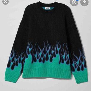Söker denna tröja från weekday! Tack på förhand
