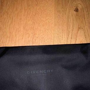 Givenchy Washbag/Pouch Helt ny, aldrig använd