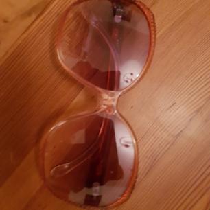 Polinelli solglasögon