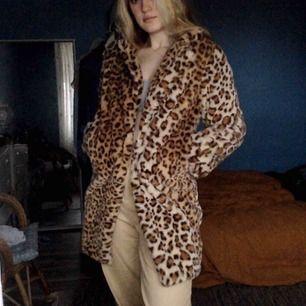 Leopard jacka ifrån i am gia, riktigt gosig o varm nu till vintern!🐯