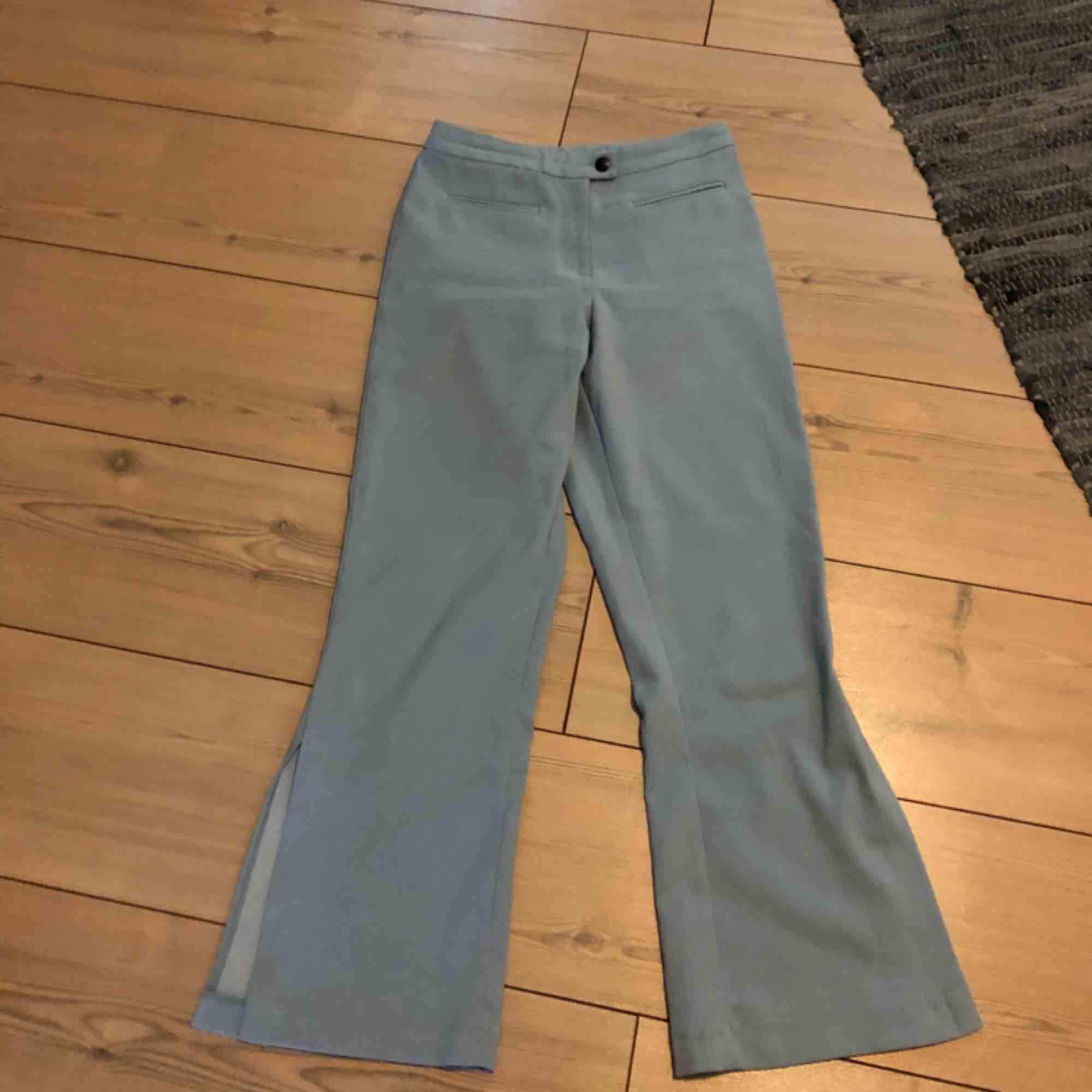 Byxor vintage, uppskattat: 1990-tal. Jeans & Byxor.