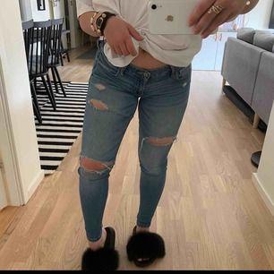 Hollister jeans storlek 26/29