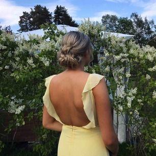 Superfint ljusgul balklänning från Nelly, köpt för 899kr frakt tillkommer