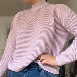 Ljuuuuslila/rosa tröja med lite glitter 🤩