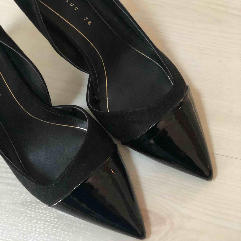 Nya klackar från Zara. Använda 1 gång . Skor.