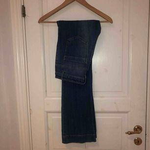 Säljer nu mina favorit jeans! Bootcut/flare modell. Lite stretch i och väldigt mjuka o sköna!