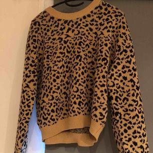 Leo tröja från h&m, priset är inkl frakt & betalning sker via swish!☺️