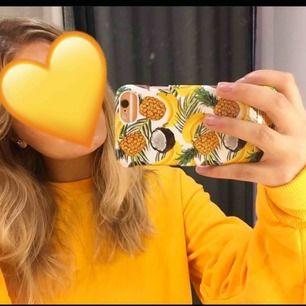 Jättefin gul sweater köpt på bikbok. Säljs för att jag inte har använd den mycket på ofta. Priset kan debatteras men om flera är intresserade är det budning som gäller. ✨💞🦋