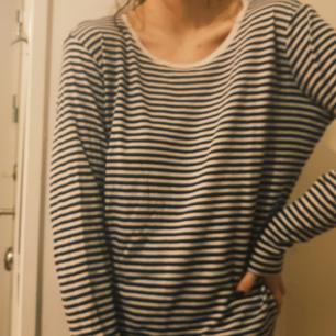 Super mjuk ,randig tröja