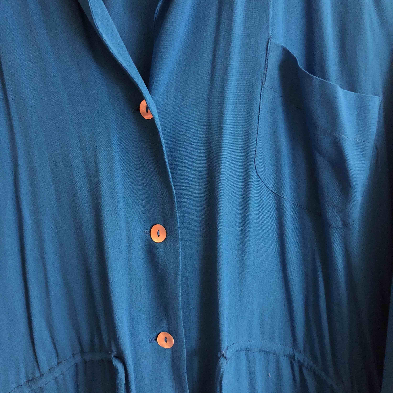 Supersnygg skjorta från Zara, använd fåtal gånger. Upphämtning i Göteborg och Falkenberg. Annars tillkommer frakt.. Skjortor.