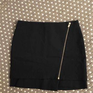 Extremt snygg kort kjol från HM