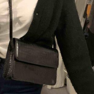 Väska från vero Moda, knappt använd! Mycket bra skick.