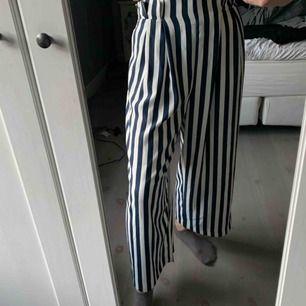 Coola randiga brallor från Zara. Lite för stora för mig så har använt dem bara ett fåtal gånger