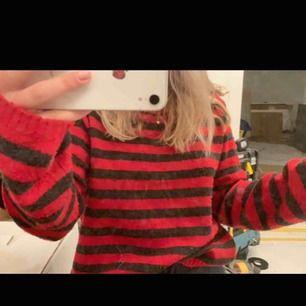 Snyggaste tröjan! Inte mycket använd.