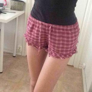 Supercute pyjamasshorts. Säljer pga att de är lite för små för mig. Frakt 36 kr