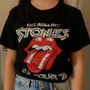 Rolling Stones t shirt 👕 frakt 49:-