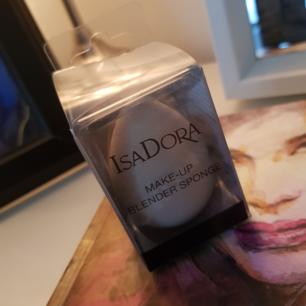 IsaDora make-up blender sponge