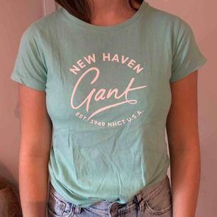 Gant t shirt, frakt 49:-