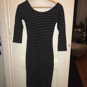 En randig och skön klänning från Zara. Storlek XS. Använd men i gott skick