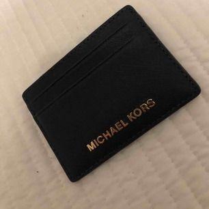 Äkta plånbok kostade 500kr plus frakt har aldrig använt den