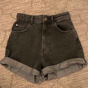 Söta shorts från Zara i nyskick, endast använda 1 gång