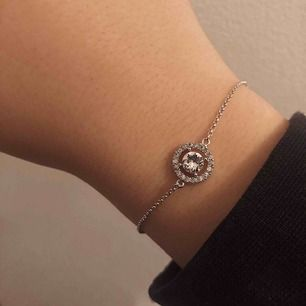 Armband från lily and rose 150kr knappt använt