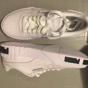 Puma Sneakers White Metallic Gold   Size 38.5  unworn  Originally 950kr