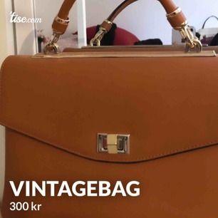 Ny skick brun väska.