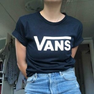 Tshirt från Vans! 🌸 Supersnygg men lite liten för mig tyvärr!