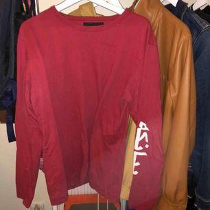 Oversized tröja från designern Bianca chandons arabic collektion! Grail på denna ligger på 600 kr, men pris kan diskuteras !<3pm om du har frågor!!