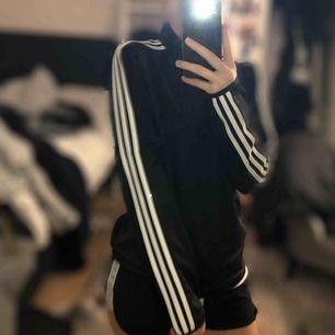Snygg basic adidas tröja