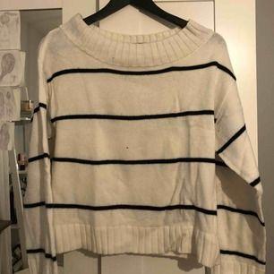Offshoulder tröja