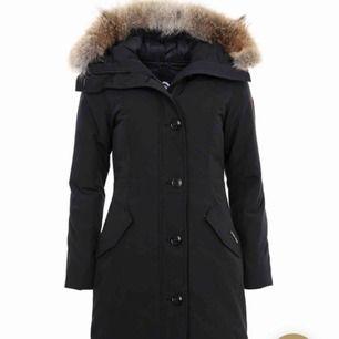 Canada goose rossclair använd ca 2 vintrar, köpt på Canada goose hemsida för 9699kr, storlek M, BUDA!!!!