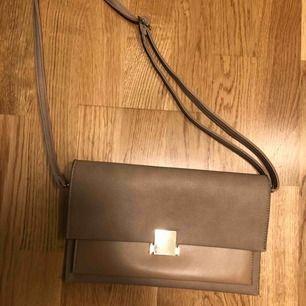Fake saint Laurent väska