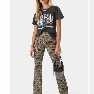 Skitsnygga byxor från Adika, beställda i fel storlek bara. Helt oanvända, har kvar prislapp