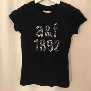 A&F t-Shirt i bra skick