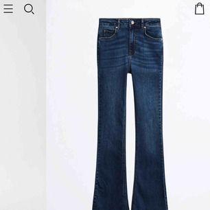 Natasha Bootcut Jeans från Gina i storlek M. Helt nya och oanvända, prislapp sitter kvar. Säljes pga för långa för mig.  Köparen står för frakt.