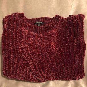 Stickad varm tröja från Massimo Dutti. Använd ca 3-4 ggr.   Köparen står för frakt.