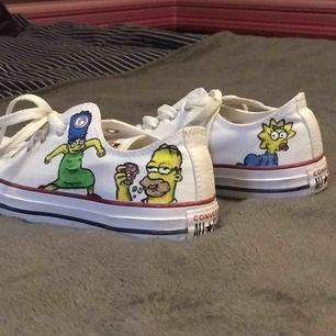 Simpsons converse, målat dom själv och bara använda en gång pga att dom är för små