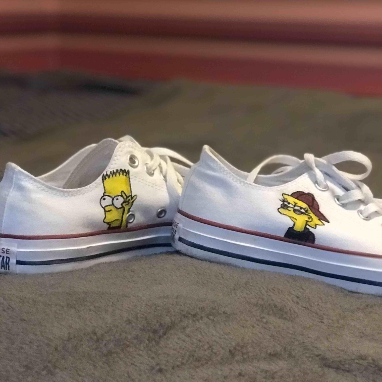 Simpsons converse, målat dom själv och bara använda en gång pga att dom är för små. Skor.