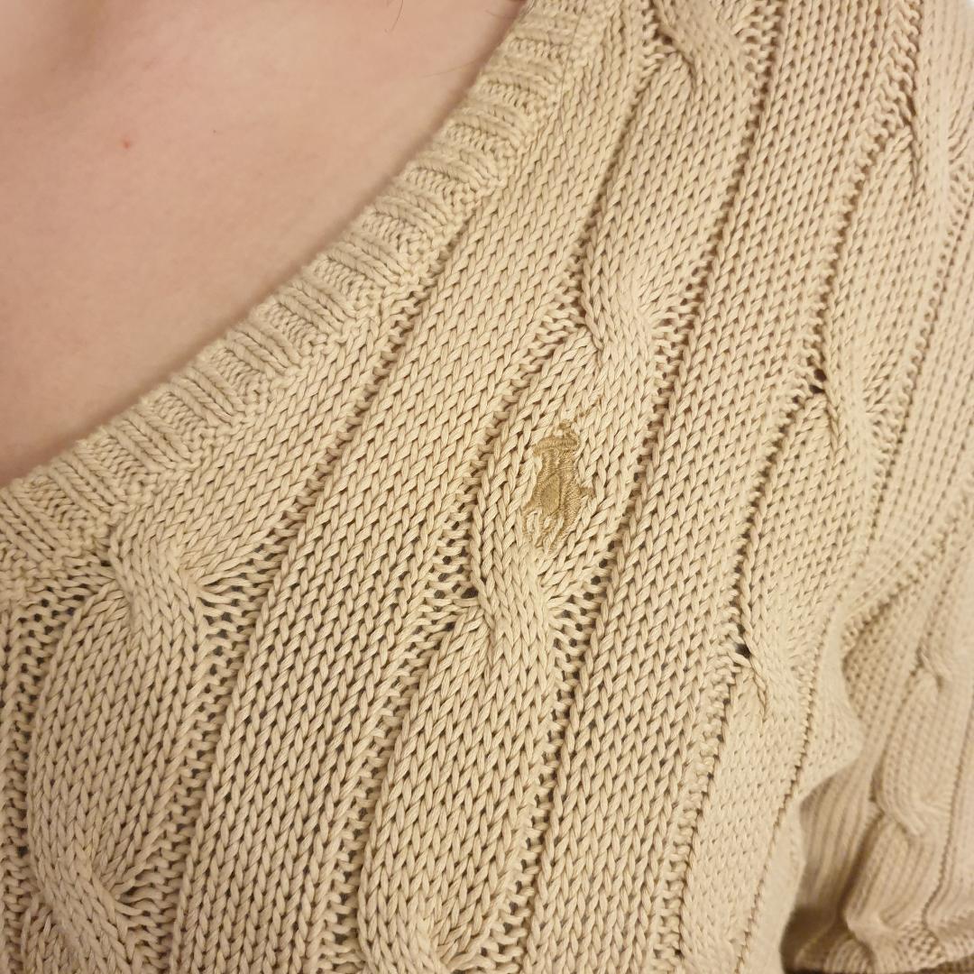 Ralph Lauren kabelstickad kofta i fint skick. Tröjan är i Pima cotton. Knappt använd. Kan fraktas. Stickat.